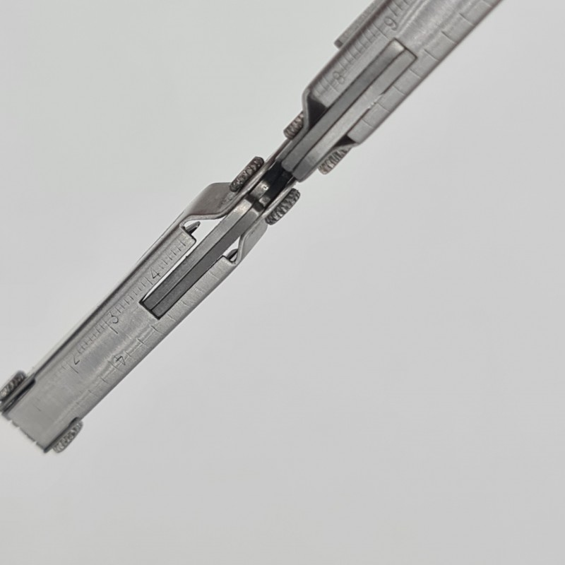 Briceag multifunctional din inox si metal, foarfeca cu 9 functii, husa, 65 x 20 x 10 mm