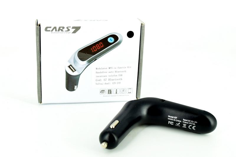 Modulator MP3 cu functie Kit Handsfree auto Bluetooth cu incarcare telefon USB 12V