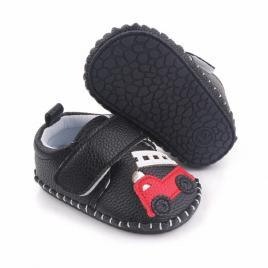 Pantofiori negri pentru baietei - masinuta (marime disponibila: 3-6 luni...