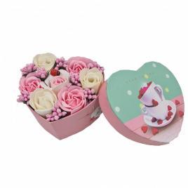 Aranjament floral 7 trandafirii cutie inima , flori de sapun, alb, roz, 11x9x6 cm