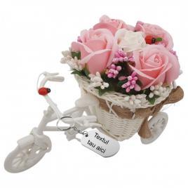 Aranjament floral gravat personalizat cu textul tau trandafiri