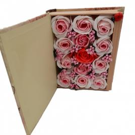 Aranjament floral 13 trandafiri cutie in forma de carte, flori de sapun, rosu, roz, alb, 11x9x6 cm