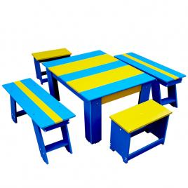 Set bicolor masuta cu scaunele si bancute pentru gradina