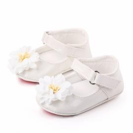 Pantofiori din lac - margareta alba (marime disponibila: 6-9 luni (marimea 19...