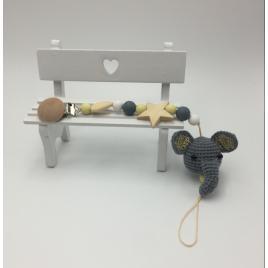 Lantisor pentu suzeta 2plus1 cu cap de elefantel crosetat, accesorii din lemn si silicon pentru dentitie