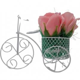 Aranjament floral deosebit 3 trandafiri bicicleta, flori de sapun,