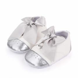 Pantofiori albi cu fundita argintie (marime disponibila: 6-9 luni (marimea 19...