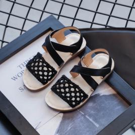 Sandale negre cu plasa crosetata (marime disponibila: marimea 26)